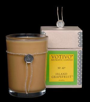 Island Grapefruit Candle - Votivo